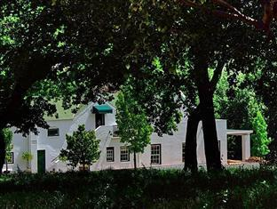 Knorhoek Country Guesthouse Stellenbosch - Rear View Of Guesthouse