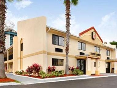 Super 8 Orlando Hotel