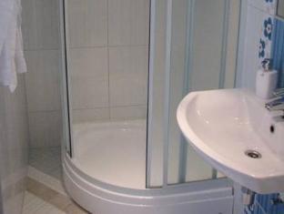 Arno Apartments كوريسار - حمام