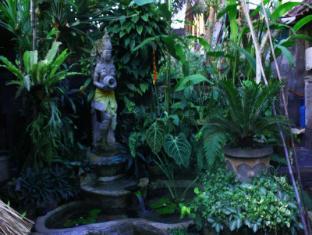 Teba House Ubud Guest House Bali - Jardín