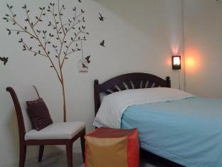 AT. Center Guesthouse and Motorbike Pattaya Pattaya - Guest Room