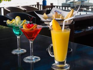 Club Punta Fuego Batangas - Food, drink and entertainment