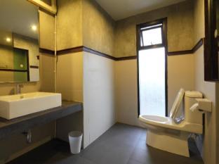 格德酒店 清迈 - 卫浴间