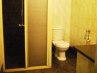 Indra Regent Hotel Colombo - Bathroom
