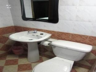 Lily Hotel Vientiane - Bathroom