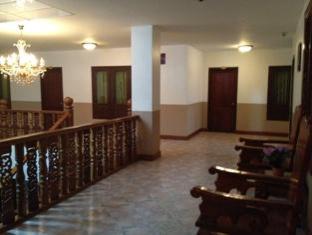 Lily Hotel Vientiane - Inside Terrace