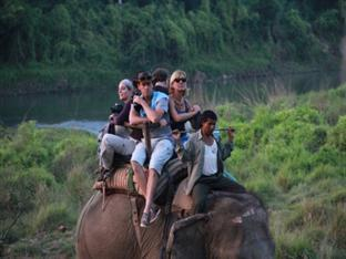 Rhino Lodge & Hotel Chitwan National Park - Elephant Ride