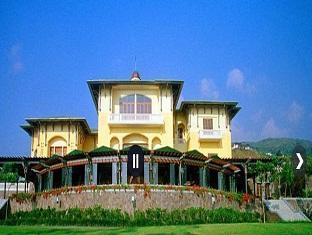 The Taman Dayu Club Pasuruan - Hotel exterior