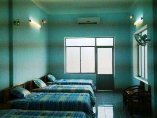 Duong Sat Quang Binh Hotel - Room type photo