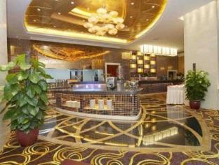 Royal Century Hotel - More photos
