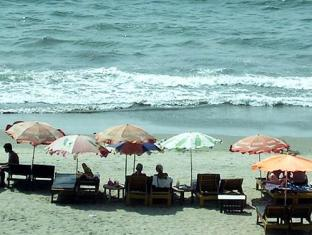 Omega Beach Resort Goa - Strand