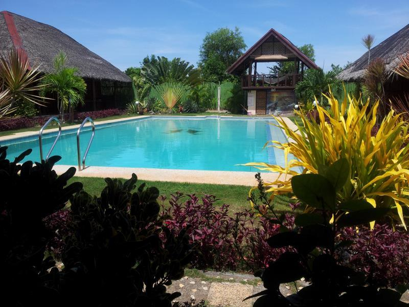 Villa Belza Resort Бохоль