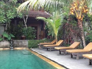Dewa Bungalows Bali - Swimming Pool