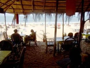 Summer Guest House North Goa - Beach Shack Restaurant