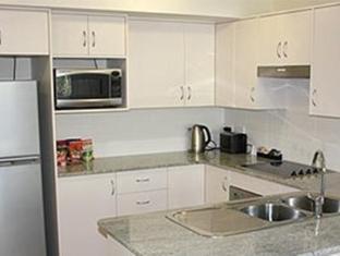 Shoal Bay Beachclub Apartments - More photos