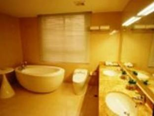 Super 8 Hotel Tianjin Guomin Tianjin - Bathroom