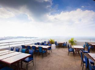 Markland Beach View Pattaya - Sky Restaurant