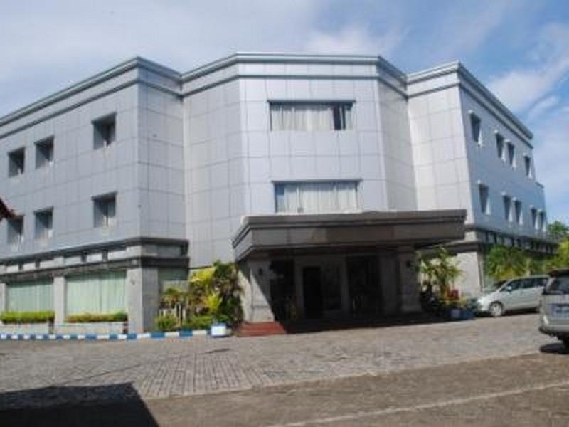 Hotell Nirmala Hotel Biak