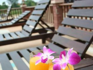 Sunview Place Pattaya - Sunbeds