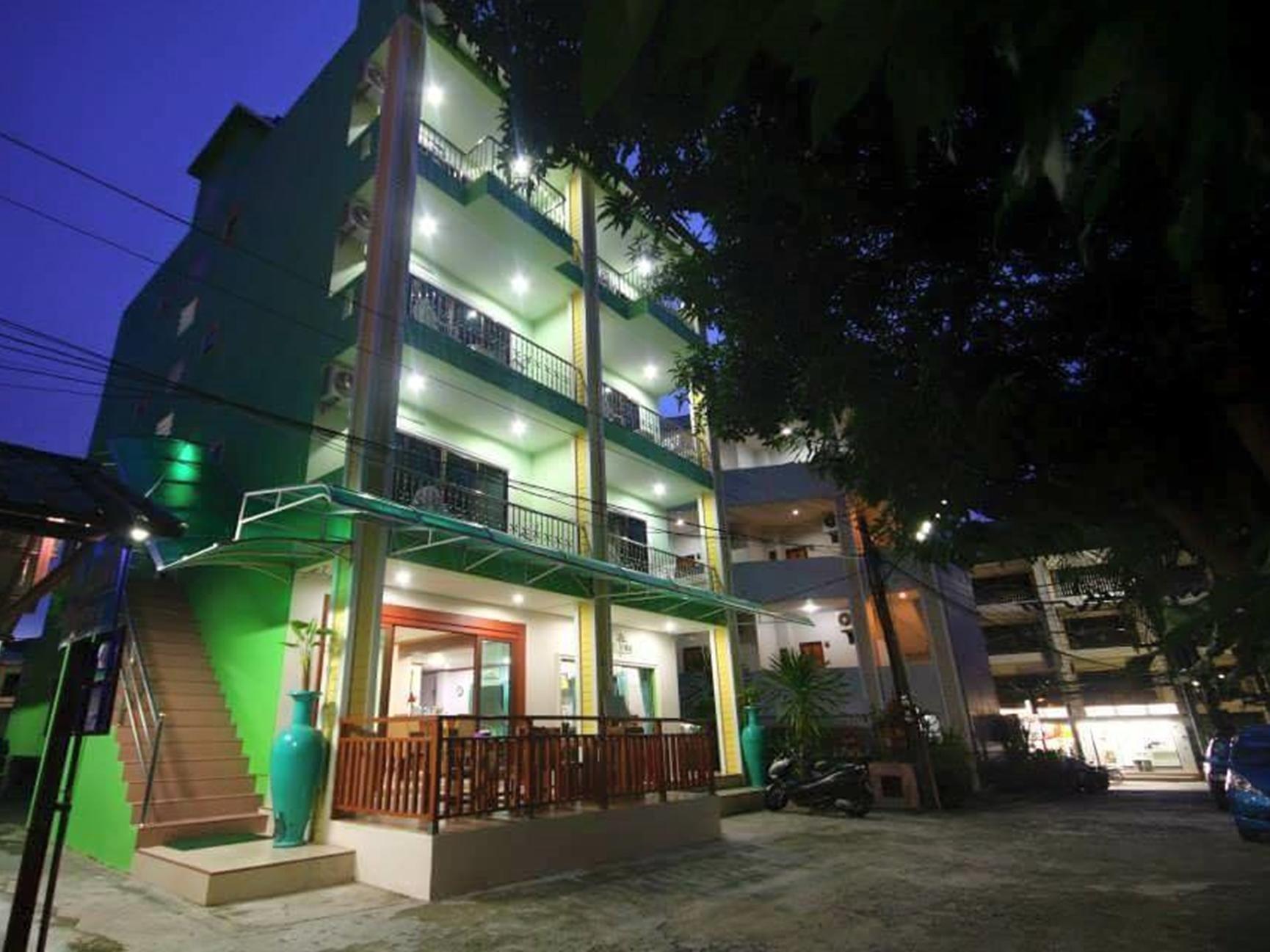 Hotell Phuket Tropical Inn i , Phuket. Klicka för att läsa mer och skicka bokningsförfrågan
