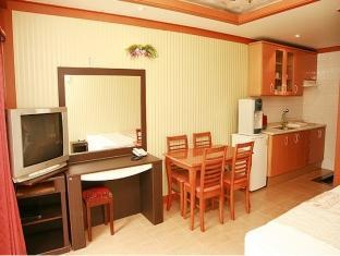Geoje Hawaii Condo Beach Hotel - More photos