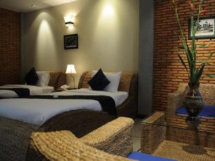 Frangipani Fine Arts Hotel Phnom Penh - Junior suite twin