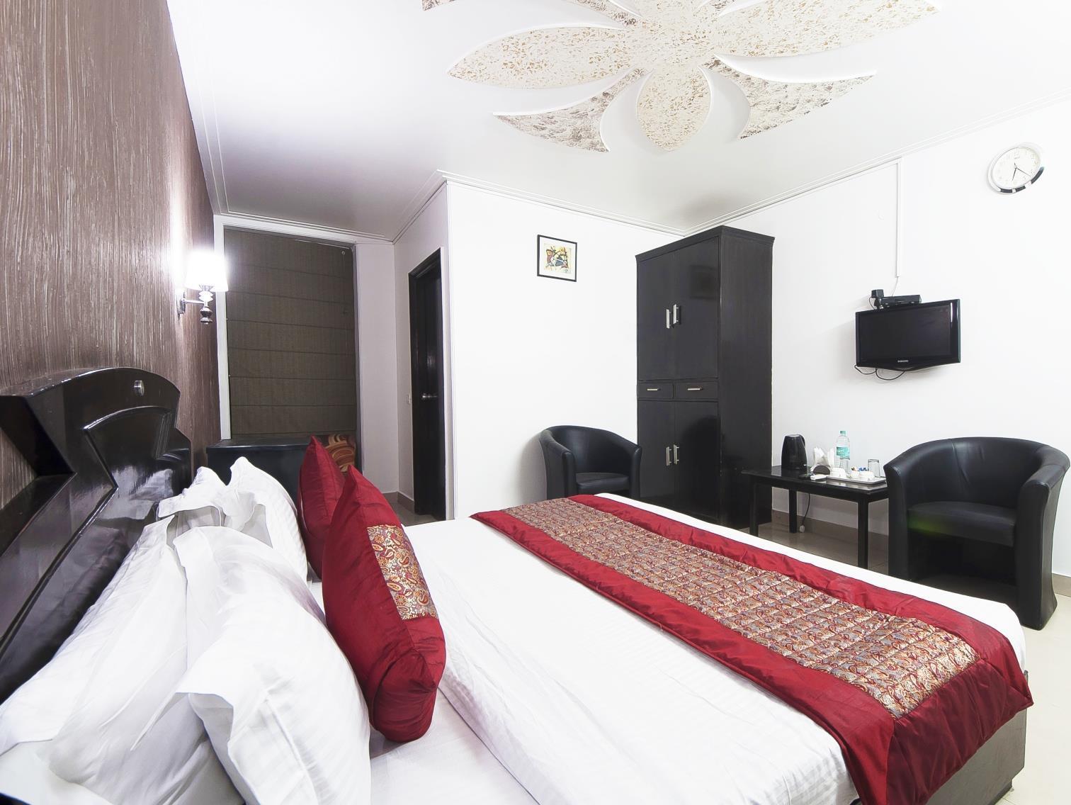Hotel Noratan Palace - Hotell och Boende i Indien i New Delhi And NCR