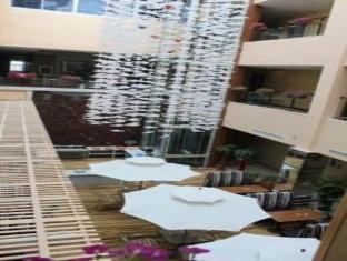 Super 8 Hotel Weihai Wai Tan - More photos