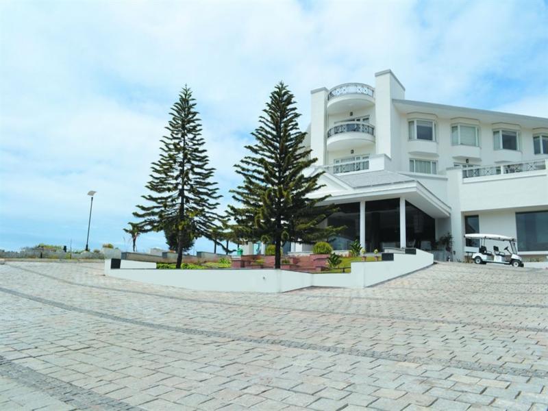 Sterling Fern Hill Resort - Hotell och Boende i Indien i Ooty