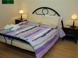 Howzat Inn - Room type photo