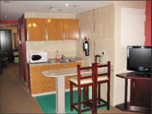 Al Bustan Tower Hotel Suites - Al Bustan Tower Hotel Suites Sharjah - Family Room