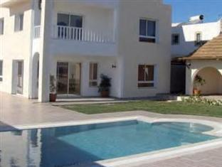 Pallax Residence
