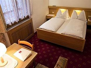 Hotel Pension Alexandres Appiano sulla Strada del Vino - Guest Room