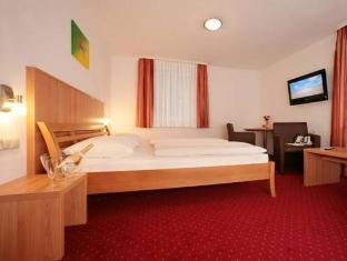 Hotel Kitz Aktiv Bruck an der Glocknerstrasse - Guest Room