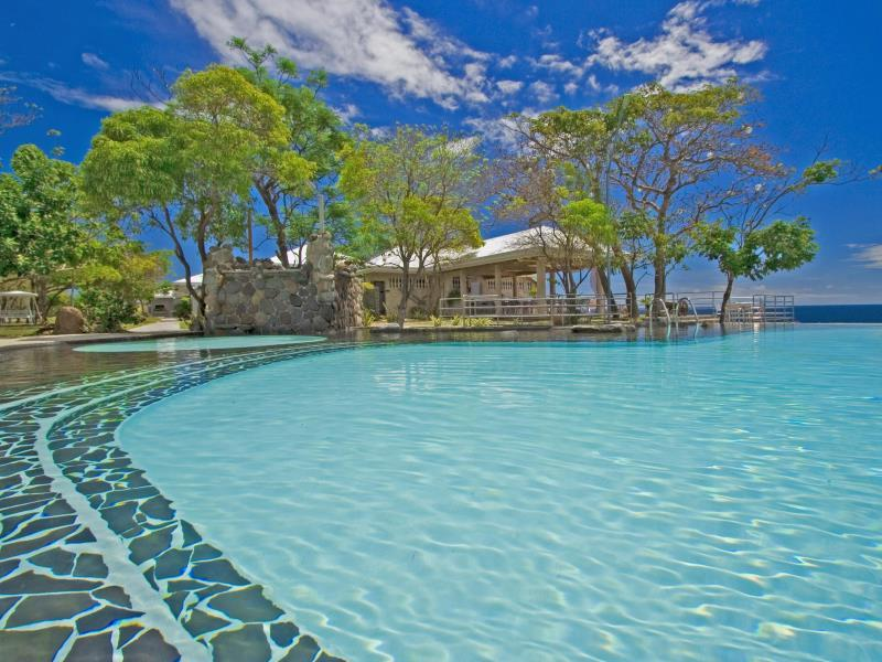 Antulang beach resort siaton dumaguete philippines - Hotels in dumaguete with swimming pool ...