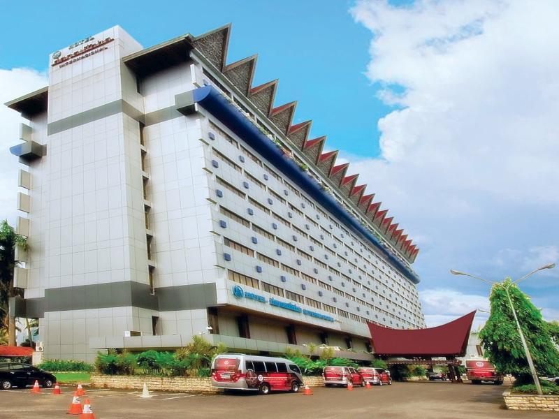 Danau Toba Hotel International מדאן