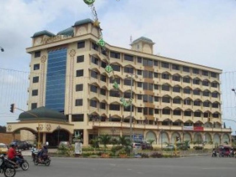 Madani Syariah Hotel מדאן