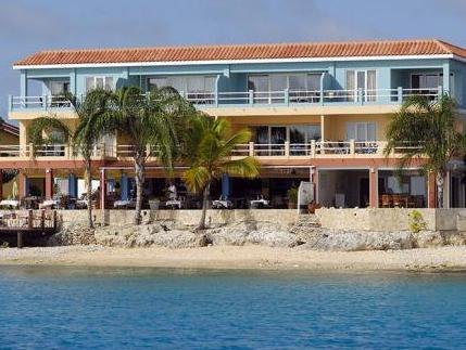 Den Laman Condominiums - Hotels and Accommodation in Netherlands Antilles, Central America And Caribbean