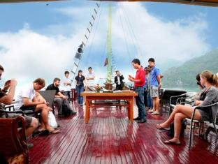 Halong Dragon Cruise - Superior - More photos