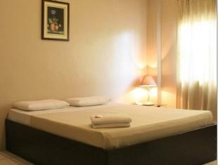 Toilena Room and Board Manila - Deluxe