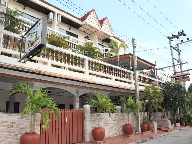 Chang Charlie Inn