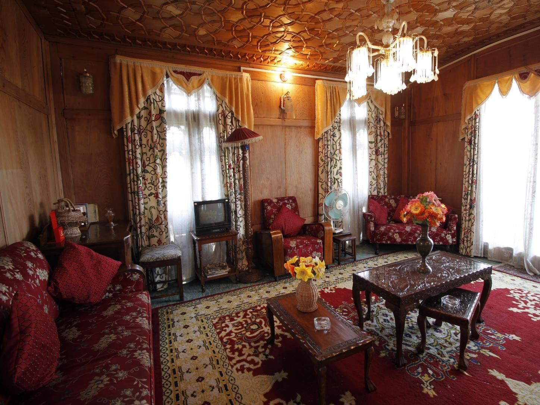 Persian Palace of Houseboat - Hotell och Boende i Indien i Srinagar