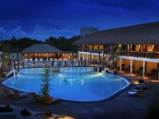 Bluewater Panglao Beach Resort Bohol - Utsiden av hotellet