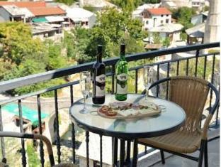 Motel Deny Mostar - Motel Deny in Mstar view to the Old town