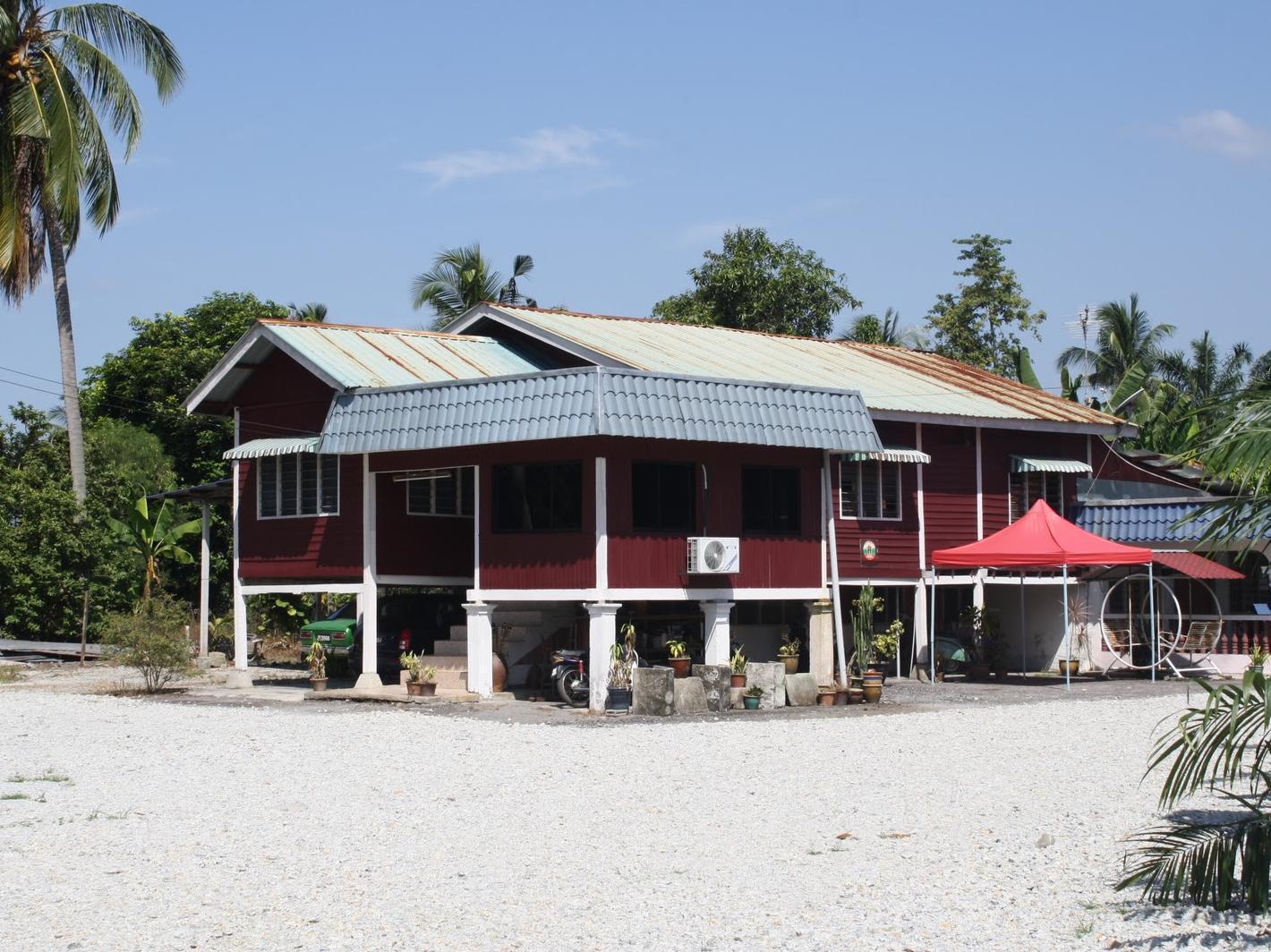 Banghuris Homestay Bagan Lalang