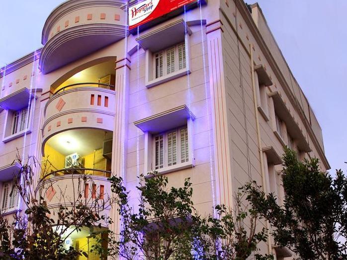 HoppersStop - Yelahanka - Hotell och Boende i Indien i Bengaluru / Bangalore