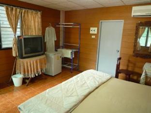 Baan Rujira Tak - Guest Room