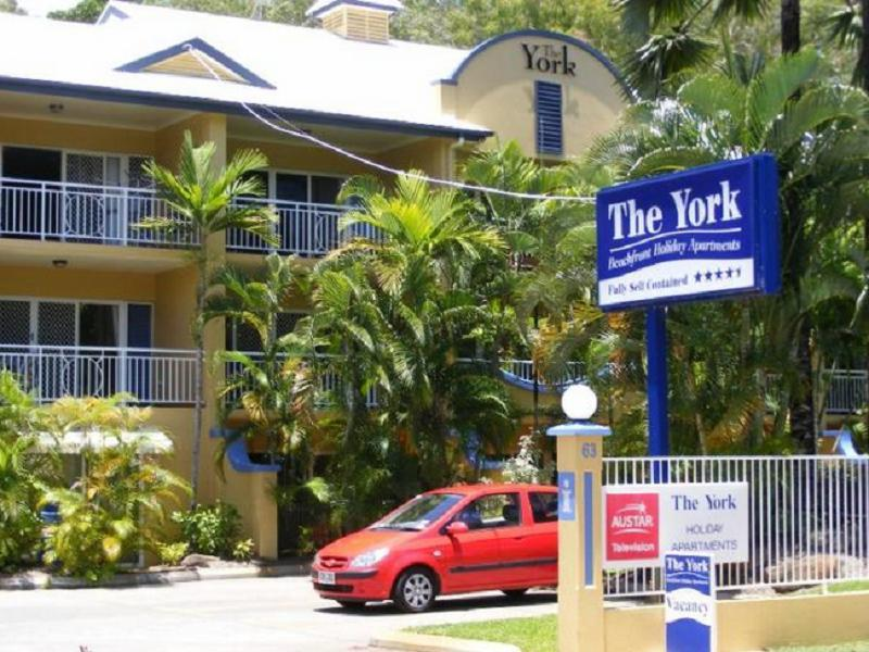 The York Beachfront Holiday Apartments - Hotell och Boende i Australien , Cairns