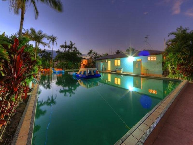 Kurrimine Beach Holiday Park - Hotell och Boende i Australien , Mission Beach