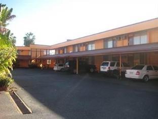 Ambassador Motel Rockhampton - Car Park
